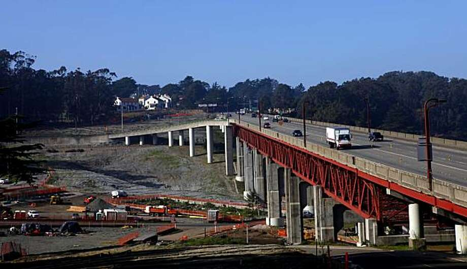 Construction has started on the Doyle Drive replacement roadway south of the Golden Gate Bridge running through the Presidio, Monday Jan.4, 2010, in San Francisco, Calif. Photo: Lacy Atkins, The Chronicle