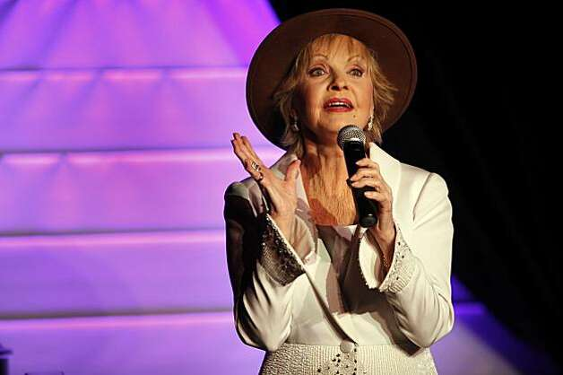 Florence Henderson sings at the Rrazz Room at the Hotel Nikko in San Francisco, Calif., on Tuesday, January 5, 2010. Photo: Carlos Avila Gonzalez, The Chronicle