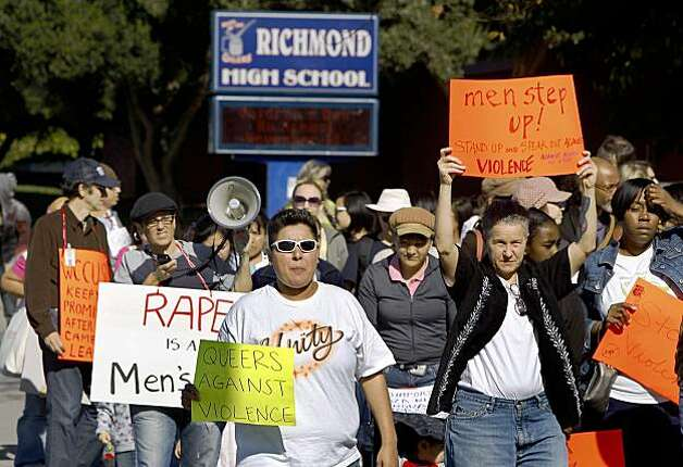 More than 100 demonstrators march from Richmond High School in Richmond, Calif., on Saturday, Nov. 7, 2009 to a rally at a nearby park to denounce violence in the wake of a violent gang rape at the school last month. Photo: Paul Chinn, The Chronicle