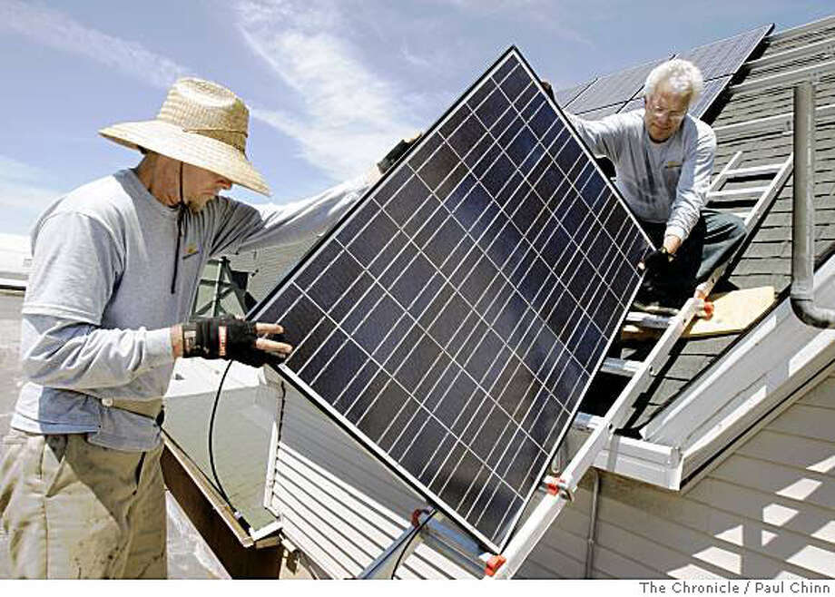 California has installed enough solar panels so far this year to generate 59 megawatts of electricity, according to the latest government update on the state?s Million Solar Roofs initiative. That?s not a huge amount of power, but it?s equal to the amount of solar installed in all of 2006. Photo: Paul Chinn, The Chronicle