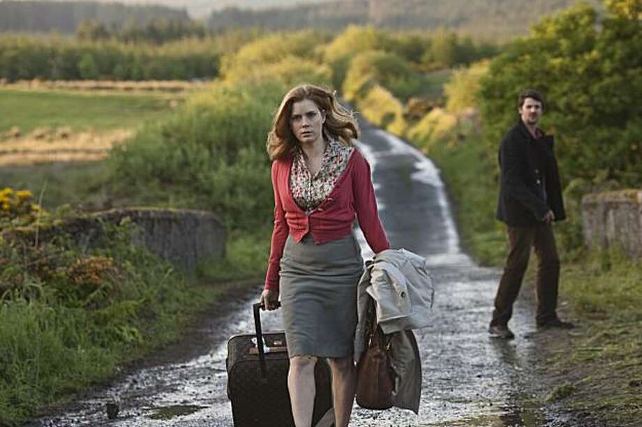 Anna (AMY ADAMS) and Declan (MATTHEW GOODE) trek across the Irish countryside in ?Leap Year?, a romantic comedy that follows one woman?s determined quest to get married to the perfect guy?despite what fate has in store for her. Photo: Jonathan Hession, Universal Pictures