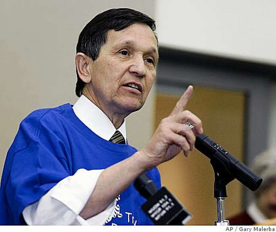 Democratic presidential hopeful, Rep. Dennis Kucinich, D-Ohio, answers questions from supporters while campaigning at Troy Community Center in Troy, Mich. Thursday, Jan. 10, 2008. (AP Photo/Gary Malerba) Photo: Gary Malerba, AP