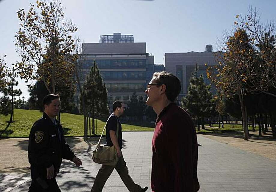 Trees, sidewalks and grass meet at Koret Quad at the UCSF Mission Bay on Wednesday Nov. 25, 2009 in San Francisco, Calif. Photo: Mike Kepka, The Chronicle