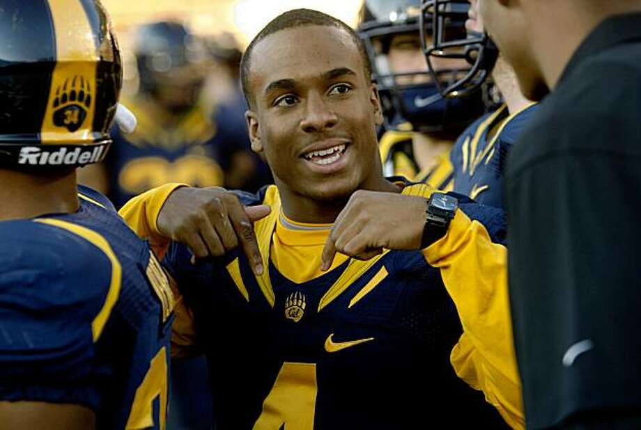 California's Jahvid Best (4) on the sidelines as the California Golden Bears beat the Arizona Wildcats  24-16 in Berkeley, Calif., on Saturday November 14, 2009. Photo: Michael Macor, The Chronicle