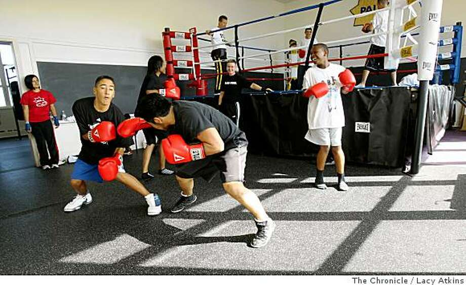 S.F. police start youth boxing program - SFGate