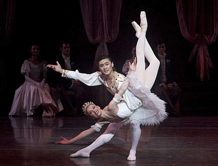 """Captions embedded CAPTION: Alexsandra Meijer is Tsarina Tatiana and Meng Lu is Tsar Nikolai in Act II; Scene 5 (""""In the Throne Room"""") of THE NUTCRACKER.  Dennis Nahat's THE NUTCRACKER performed by Ballet San Jose with Symphony Silicon Valley, Dec 10-27, 2009. Tickets: $30-85 Box Office: 408.288.2800 Tickets available at the theater one-hour before curtain for walk-up sales  San Jose Center for the Performing Arts 255 Almaden Boulevard (at Park Avenue) in downtown San Jose Photo: Photo By, Robert Shomler"""