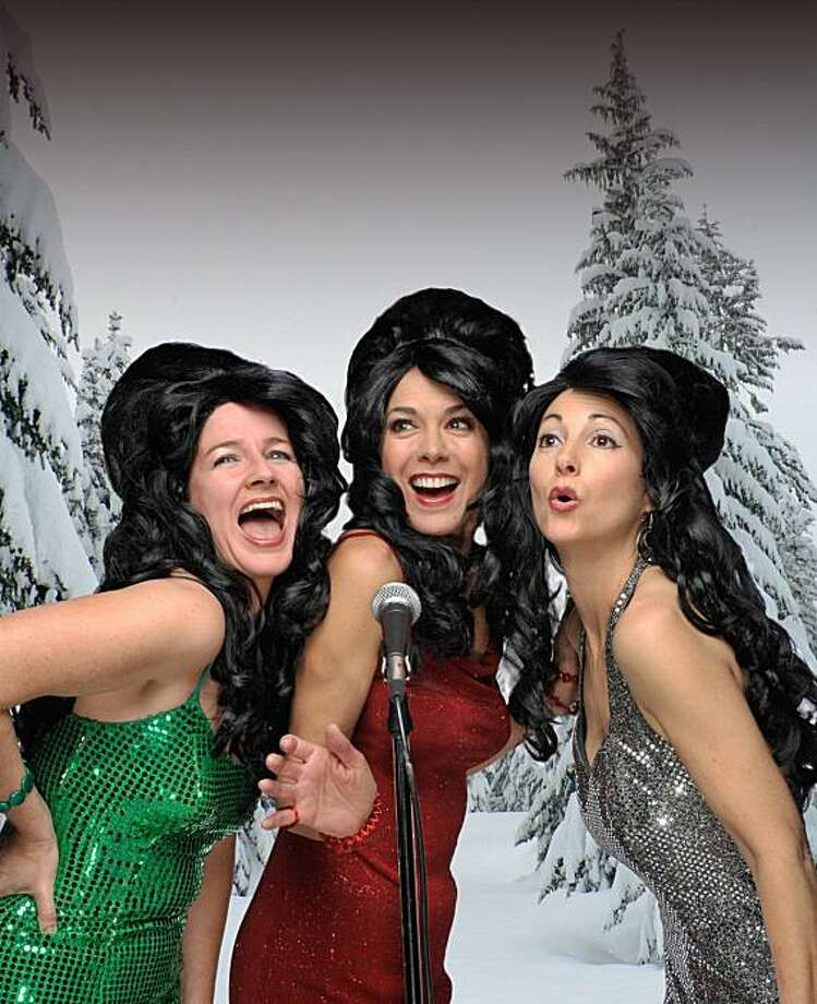snow1 - l-r, Darby Gould, Katie Guthorn, and Carol Bozzio Littleton as The Coverlettes Photo: David Allen