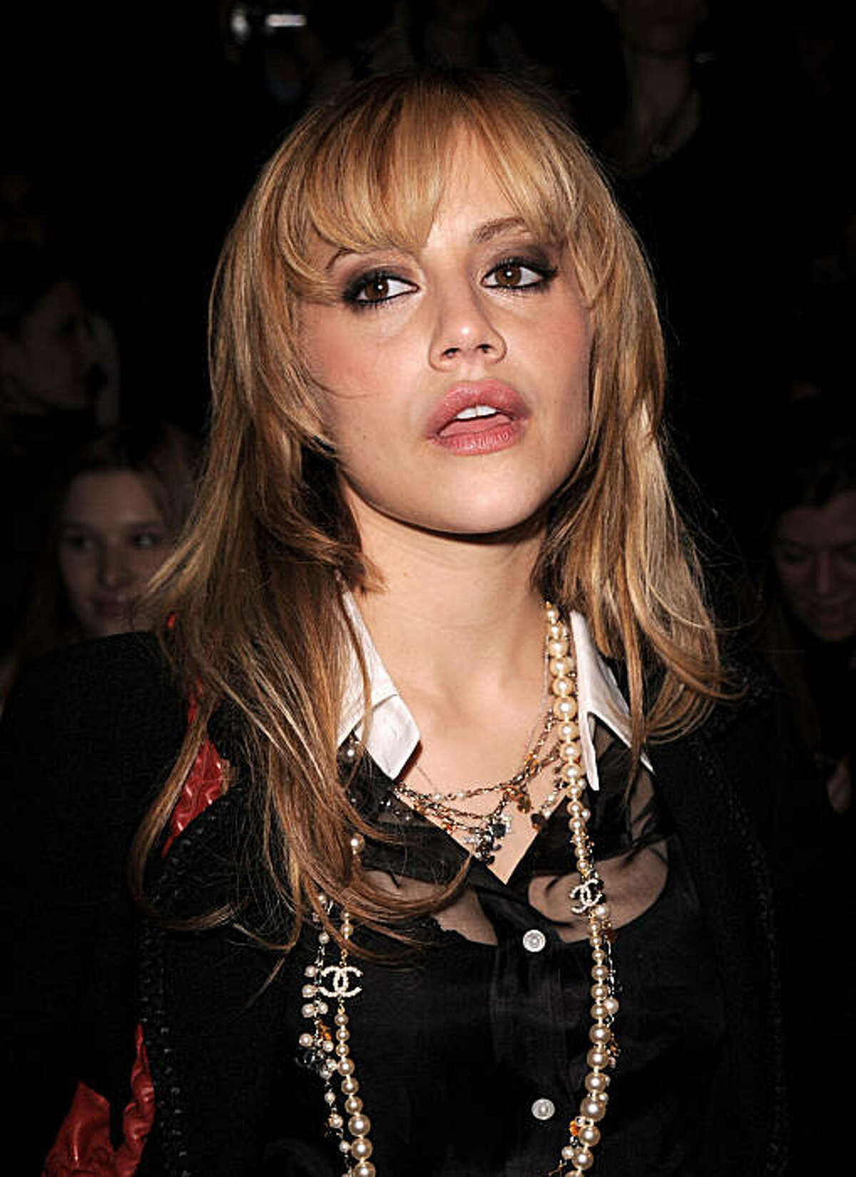 FILE - In this Feb. 4, 2008 file photo, actress Brittany Murphy attends the Max Azria 2008 Fall Collection during Fashion Week, in New York. A Los Angeles hospital spokeswoman says actress Brittany Murphy has died. She was 32. (AP Photo/Peter Kramer, File)