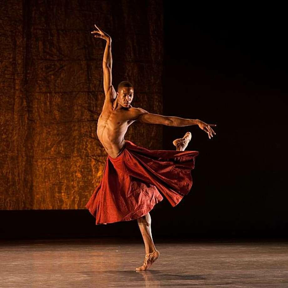 orey Scott-Gilbert performs in Scheherazade, photo byFranck Thibault. Photo: Franck Thibault