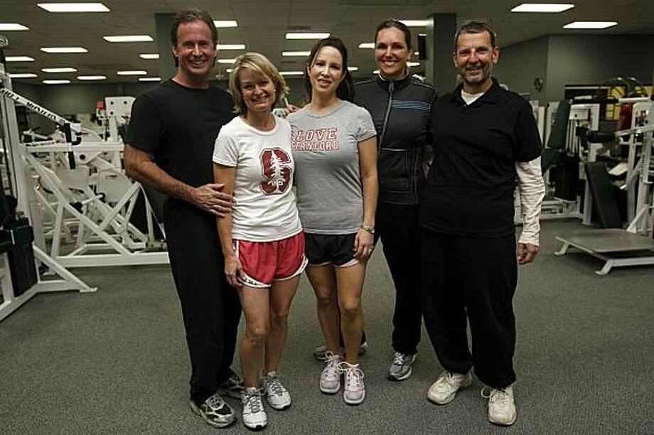 Left to right--David Ferrari, Gaylene Parker, Cecilia Marosi-Hopkins, Mia Gates, and Mike Mainiero enlisted to embark on a 6-week diet and fitness program, complete with weekly weigh-ins, as they have a first meeting at Fitness 101 gym in Menlo Park, Calif., on Thursday, October 1, 2009. Photo: Liz Hafalia, The Chronicle
