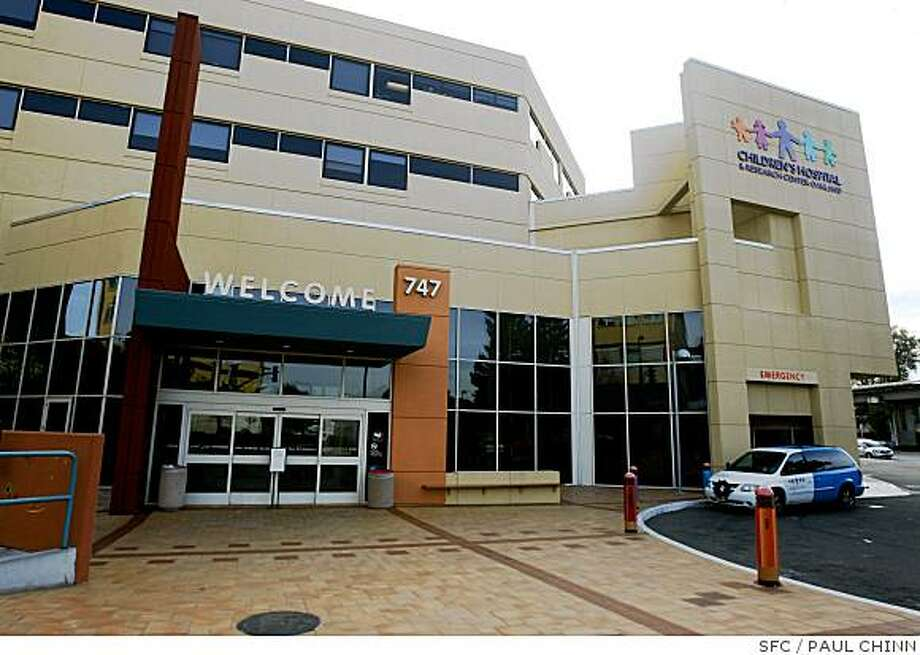 Children's Hospital is seen in Oakland, Calif. on Saturday, Dec. 22, 2007. Voters will be asked on the February ballot to pass a $300 million parcel tax to replace the main building of the medical complex. PAUL CHINN/The Chronicle Photo: PAUL CHINN, SFC