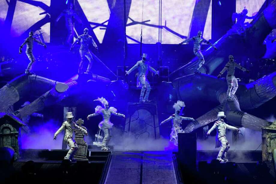 Michael Jackson: The Immortal World Tour is the official theatrical production by Cirque du Soleil which uses the music and vision of Michael Jackson along with Cirque du Soleil's signature acrobatic performance style to create a realistic concert experience. Photo: OSA Images\Cirque Du Soleil