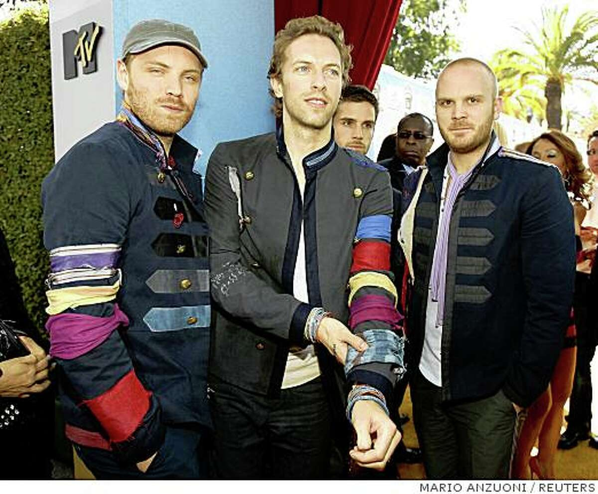 British rock band Coldplay arrives at the 2008 MTV Movie Awards in Los Angeles June 1, 2008. REUTERS/Mario Anzuoni (UNITED STATES)