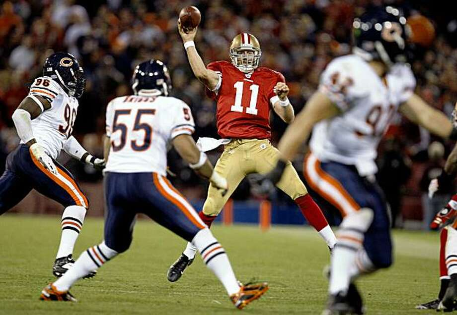 San Francisco 49ers quarterback Alex Smith (11) throws downfield in the 4th quarter as the San Francisco 49ers take on the Chicago Bears on Thursday November 12, 2009 in San Francisco, Calif. Photo: Lance Iversen, The Chronicle