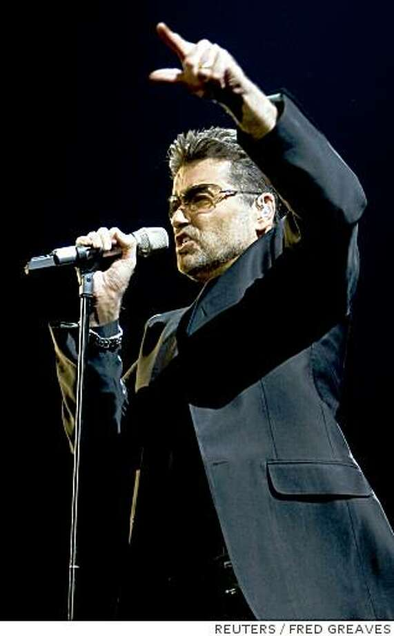 George Michael performs in concert at the San Diego Sports arena in his first of 25 stops on his ``Live Global Tour'' in San Diego, California June 17, 2008. This is Michael's first North American tour in 17 years.  REUTERS/Fred Greaves (UNITED STATES).  FOR EDITORIAL USE ONLY. NOT FOR SALE FOR MARKETING OR ADVERTISING CAMPAIGNS. Photo: FRED GREAVES, REUTERS