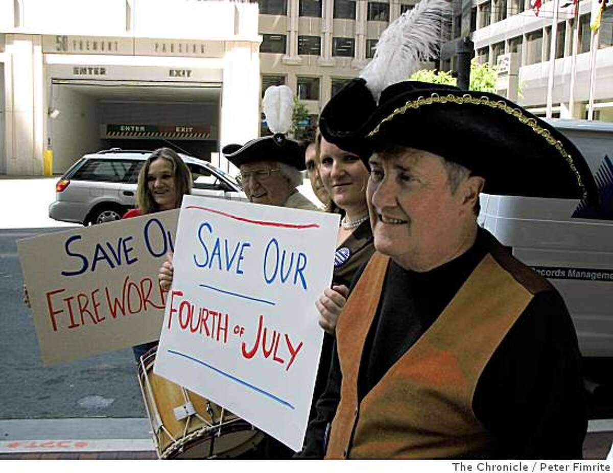 Sid Waterman, 69, a businessman in Gualala, Calif., demonstrates with his fellow townsfolk outside the California Coastal Commission office in San Francisco on June 18, 2008.Photo by Peter Fimrite / The Chronicle