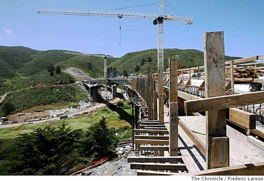 The new bypass of Devil's Slide in Pacifica, with its pair of graceful arched bridges, near completion on June 6, 2008. Photo: Frederic Larson, The Chronicle