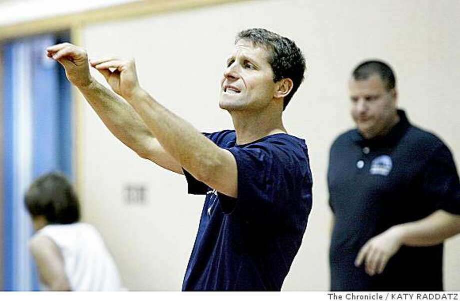 Former NBA coach Eric Musselman coaching his son Michael's basketball team at Stone Valley Middle School in Alamo, Calif.  on Thursday May 29, 2008. Photo: KATY RADDATZ, The Chronicle
