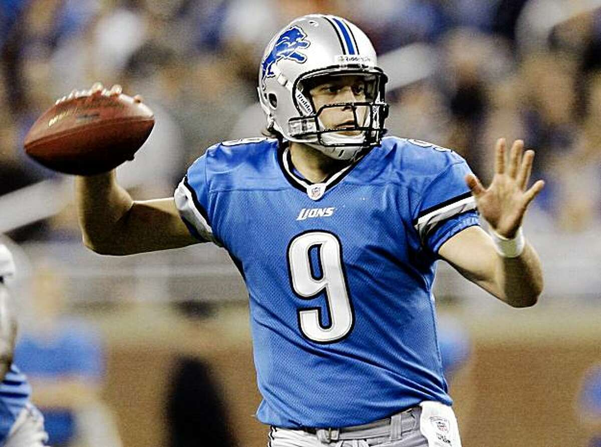 Detroit Lions quarterback Matthew Stafford throws against the Cleveland Browns in the first quarter of an NFL football game in Detroit, Sunday, Nov. 22, 2009. (AP Photo/Paul Sancya)