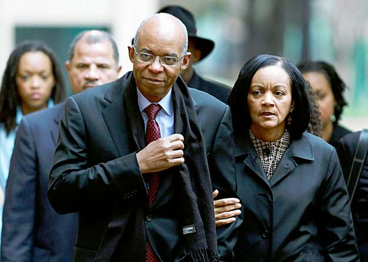 ALEXANDRIA, VA - NOVEMBER 13: Former Congressman William Jefferson (D-LA) (L) walks with his wife Andrea Jefferson as he arrives at US District Court for his sentencing hearing on November 12, 2009 in Alexandria, Virginia. Jefferson was found guilty of 11 charges including solicitation of bribes, honest services wire fraud, money laundering, racketeering and conspiracy. (Photo by Mark Wilson/Getty Images)
