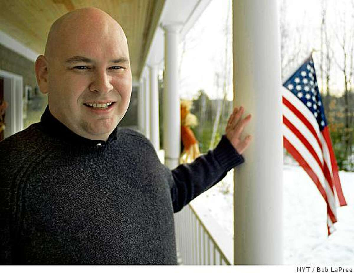 (NYT14) WOLFEBORO, N.H. -- Nov. 27, 2005 -- WHITEHOUSE-LETTER -- Steve Schmidt, 35, counselor to Vice President Dick Cheney, pictured at his parents home in Wolfeboro, N.H., Nov. 26, 2005. (Bob LaPree/The New York Times)