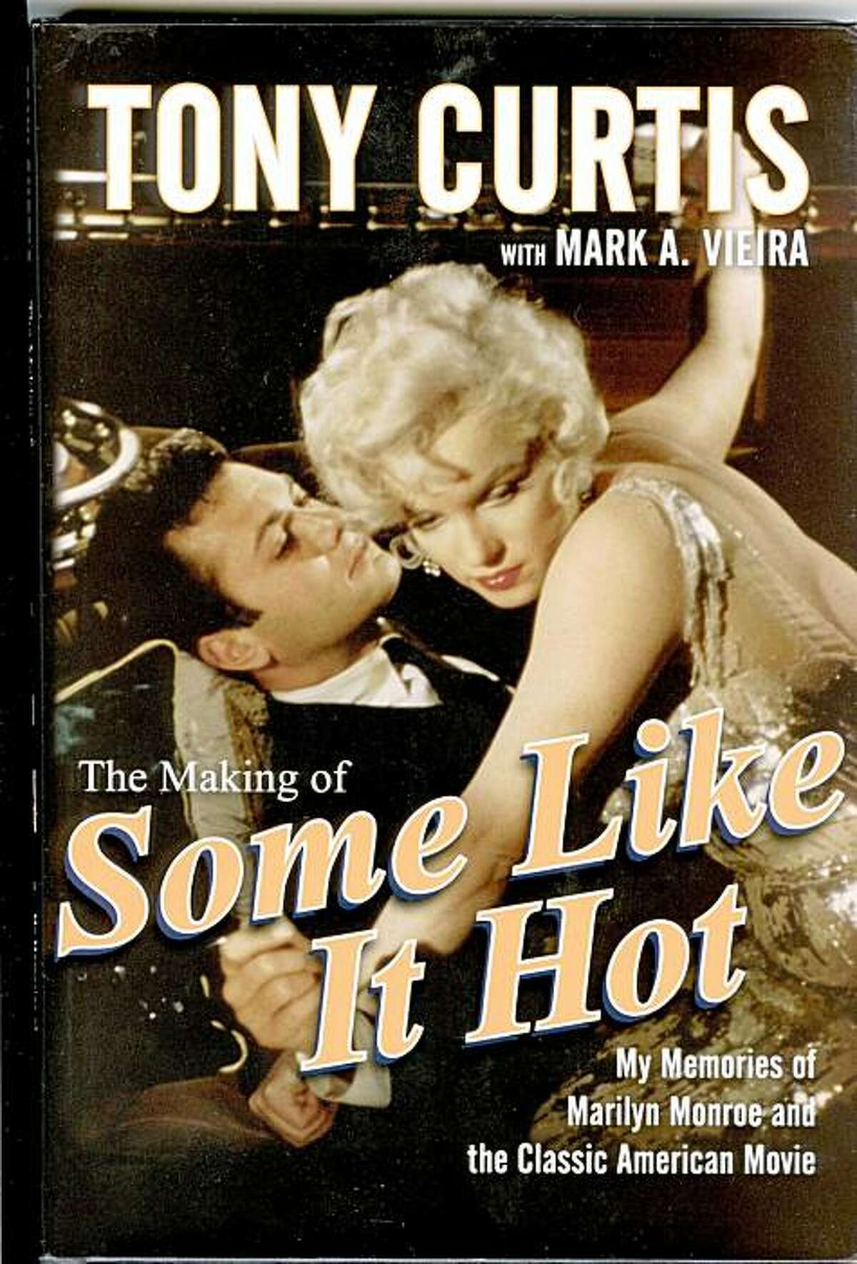 """Tony Curtis and Marilyn Monroe on the set of """"Some Like it Hot."""""""