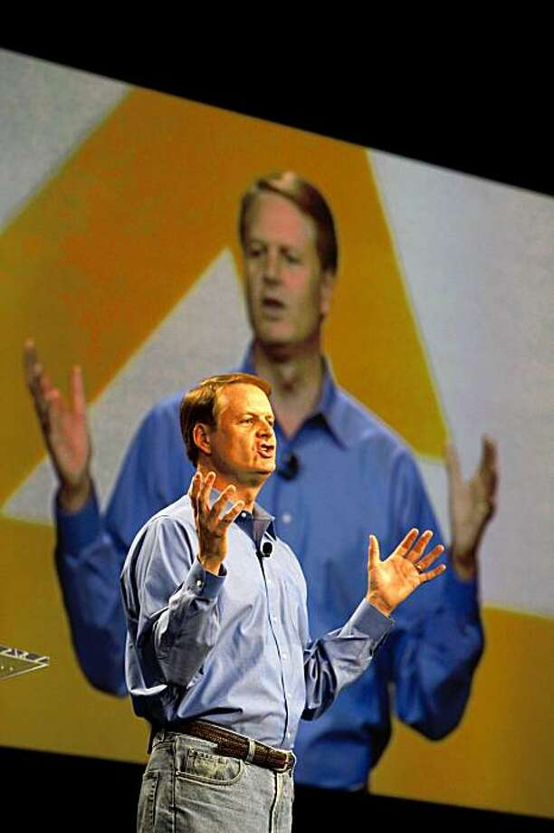 Keynote speaker John Donahoe, Chief Executive Officer, eBay Inc., talks to Paypal X Innovate09 attendees at the Concourse Exhibition Center in San Francisco, Calif. on Tuesday November 3, 2009. Photo: Lea Suzuki, The Chronicle