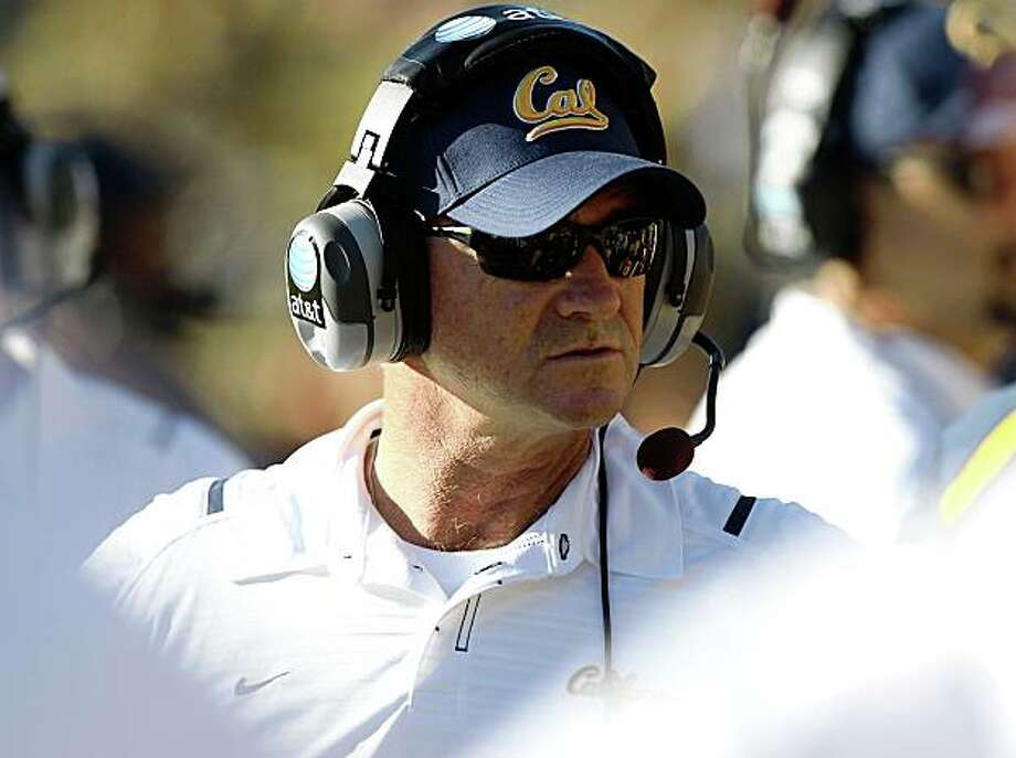 BERKELEY, CA - OCTOBER 24:  Head coach Jeff Tedford of the California Golden Bears looks on against the Washington State Cougars at California Memorial Stadium on October 24, 2009 in Berkeley, California.  (Photo by Jed Jacobsohn/Getty Images) Photo: Jed Jacobsohn, Getty Images
