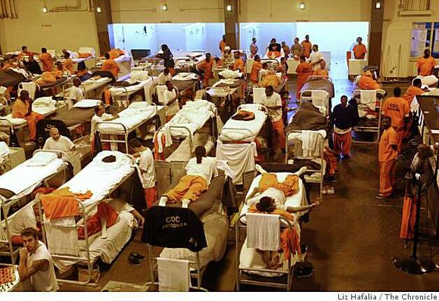 Inmates in the reception center of San Quentin prison in San Rafael, Calif., on Tuesday, May 20, 2008. Photo: Liz Hafalia, The Chronicle