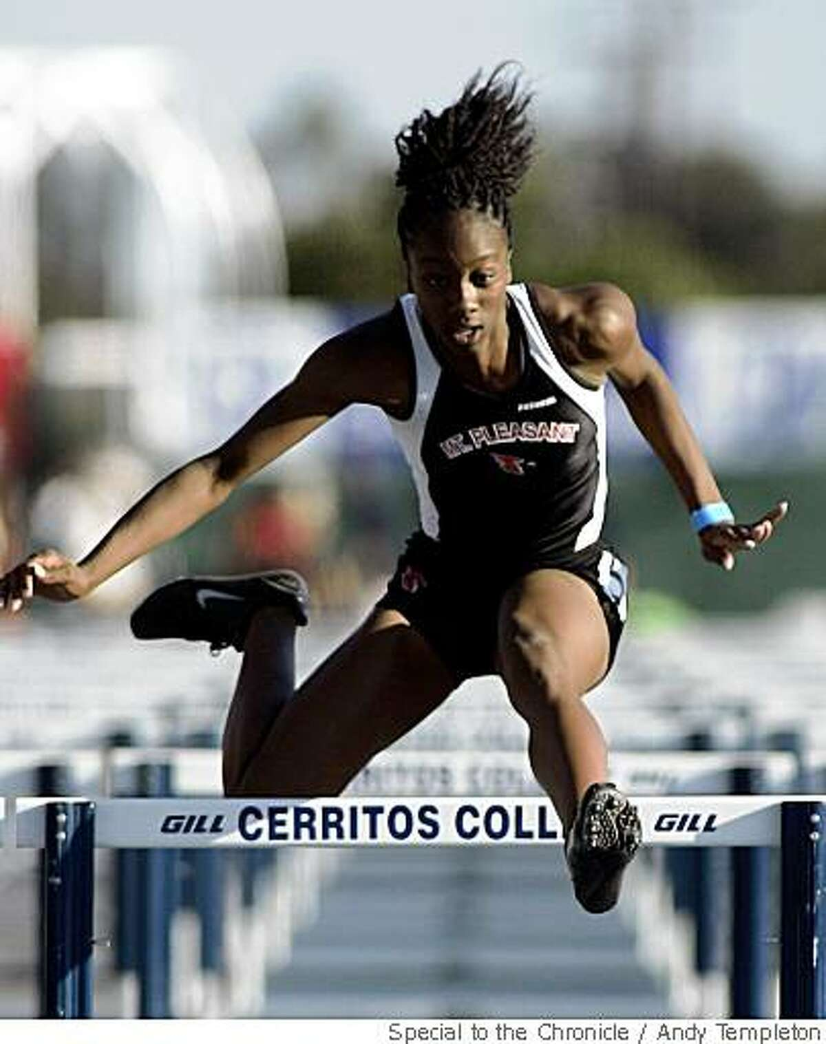 Vashti Thomas qualifies in the Girls 100m High Hurdles during CIF Track and Field qualifying Friday, May 30, in Norwalk, Calif.