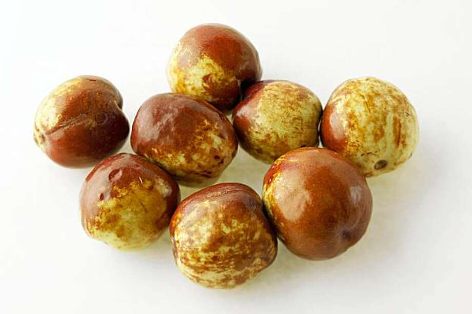 Jujubes - Chinese dates - sweet and crunchy - SFGate