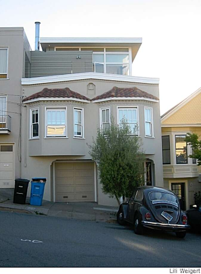 A house in the Marina District referred to in 5/25/08 Real Estate story by Lili Weigert as the Jetson House. It shows how incongruous plans can sometimes get city approval. Photo: Lili Weigert