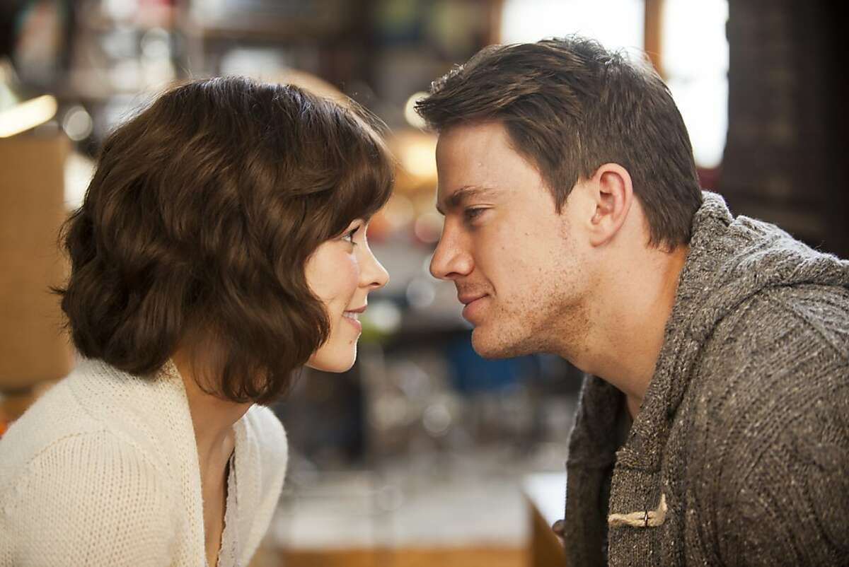 """Rachel McAdams and Channing Tatum in """"The Vow."""""""