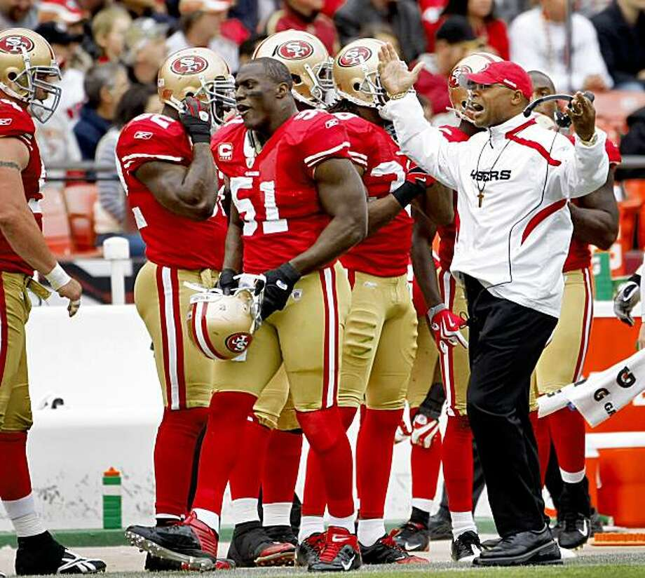 Coach Mike Singletary yells at the 49ers after the Falcons score their second touchdown Sunday at Candlestick in San Francisco. Photo: Lacy Atkins, The Chronicle