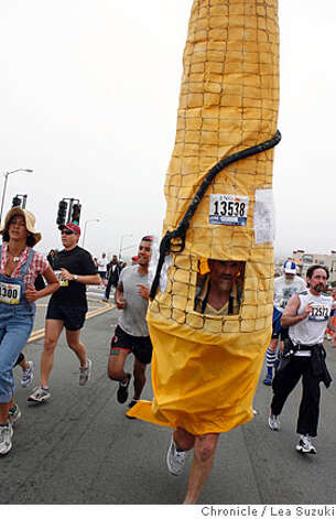 John Hearney of Oakland runs as a giant corn cob during the 97th annual ING Bay to Breakers 12k on Sunday, May 18 2008. Photo By Lea Suzuki/ San Francisco Chronicle Photo: Lea Suzuki