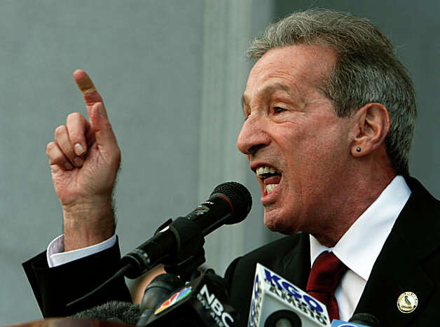 "Assemblyman Tom Ammiano urged a large crowd gathered in front of the Earl Warren State Building to shout, ""Long Live Harvey Milk"", after the California State Supreme Court heard arguments over the constitutionality of Proposition 8 in San Francisco. Photo: Paul Chinn, The Chronicle / SFC"