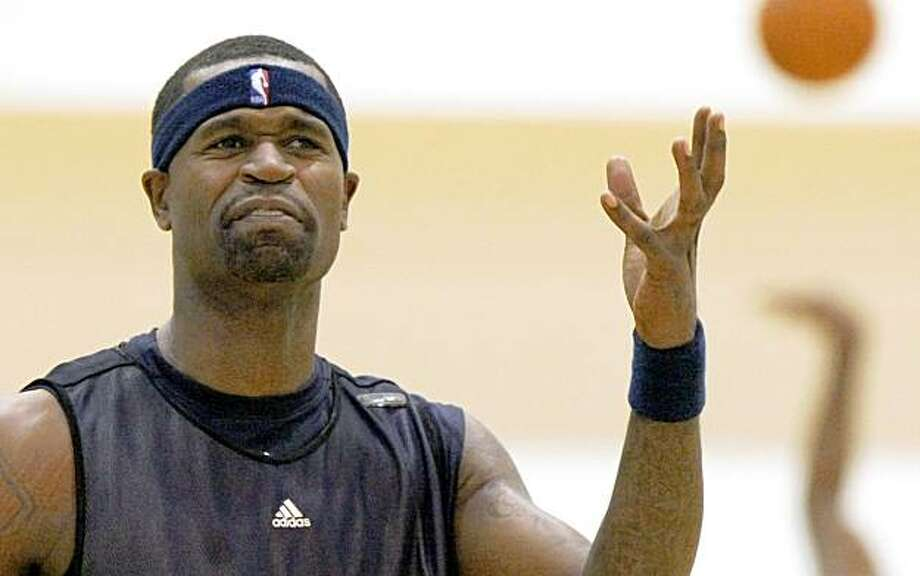 Stephen Jackson reacts to a missed jump shot during the Warriors first training camp in Oakland Ca. Sept 29, 2009 Photo: Lance Iversen, The Chronicle