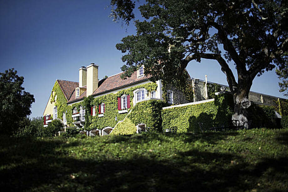 SFiS_SEPT_HOUSEHOLD_10_JOHNLEEPICTURES.JPG The main building at the Jordan Winery in Healdsburg.   By JOHN LEE/SPECIAL TO THE CHRONICLE Photo: John Lee, The Chronicle