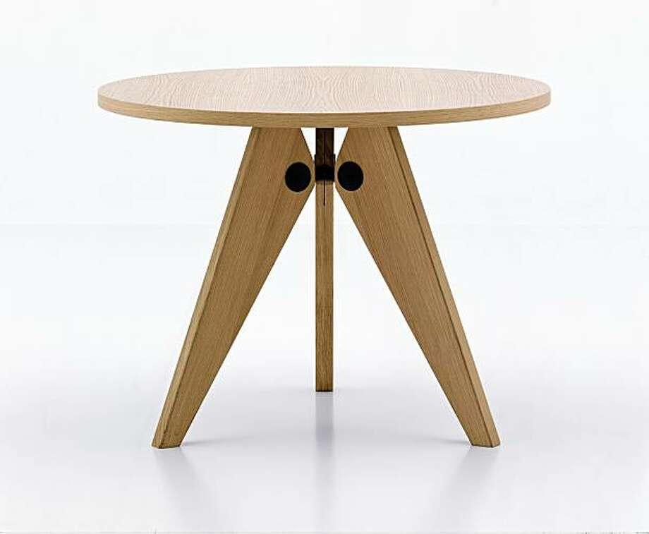 Jean Prouve's Gueridon Table by Vitra Photo: Vitra