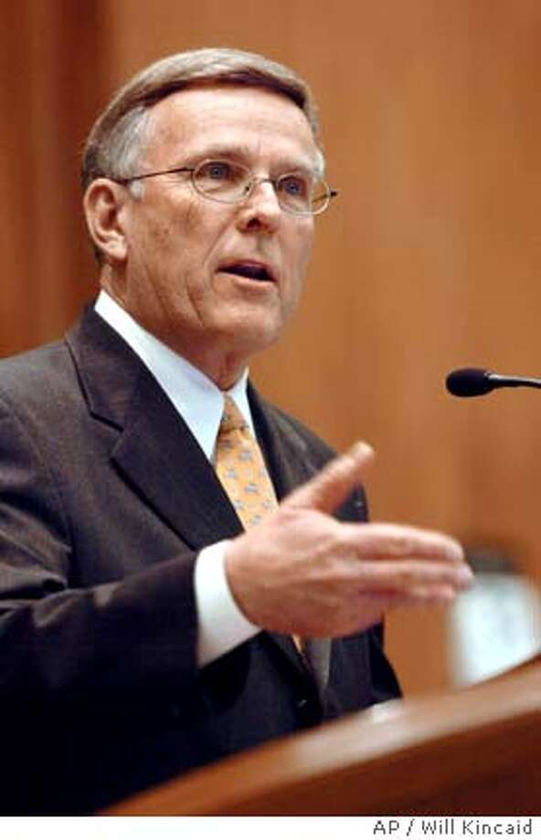 ** ADVANCE FOR SUNDAY, MARCH 19 **FILE**Sen. Byron Dorgan, D-N.D., shown addressing members of the North Dakota House of Representatives in Bismarck, N.D., Jan. 31, 2005, has pressed for closer scrutiny of fines levied on businesses by federal agencies. (AP Photo/Will Kincaid) Photo: WILL KINCAID