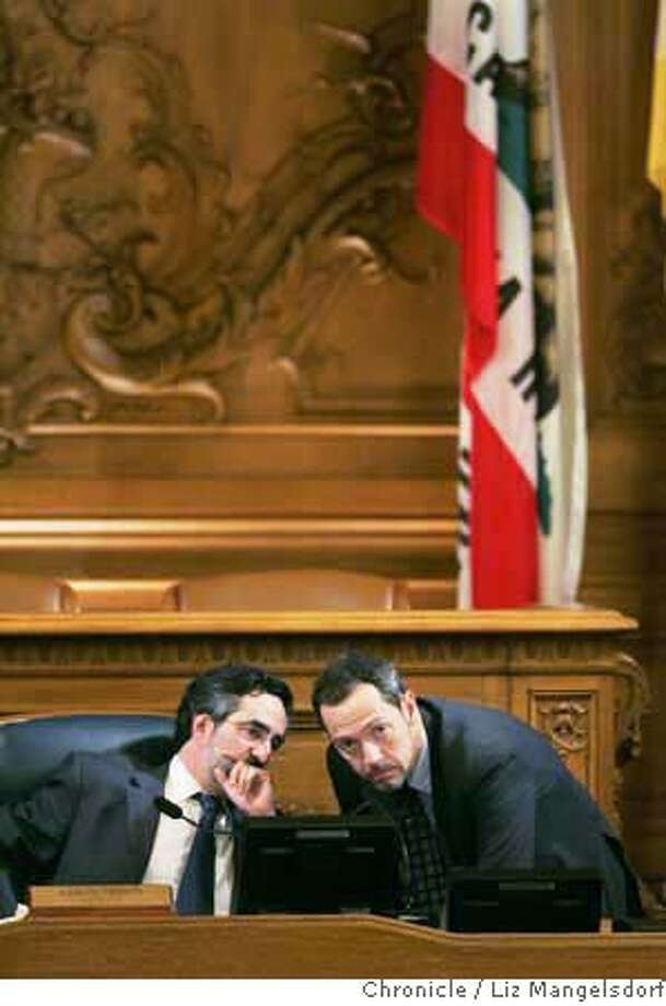 ###Live Caption:Board of SupSan Francisco Board of Supervisors president Aaron Peskin, left, talks with Supervisor Bevan Dufty during a meeting discussing the 49er stadium issue on Nov. 21, 2006. Liz Mangelsdorf / The Chronicle###Caption History:Board of SupSan Francisco Board of Supervisors president Aaron Peskin, left, talks with Supervisor Bevan Dufty during a meeting discussing the 49er stadium issue on Nov. 21, 2006.  Liz Mangelsdorf / The Chronicle  Ran on: 11-27-2006  Aaron Peskin says the Nov. 7 election revealed the limits of the mayor's popularity.###Notes:###Special Instructions:MANDATORY CREDIT FOR PHOTOG AND SF CHRONICLE/NO SALES-MAGS OUT Photo: Liz Mangelsdorf