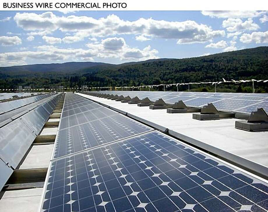 Green Mountain Coffee Roasters completes construction on a 100kW solar array on the roof of its distribution center in Waterbury, VT. (Photo: Business Wire) Photo: Business Wire