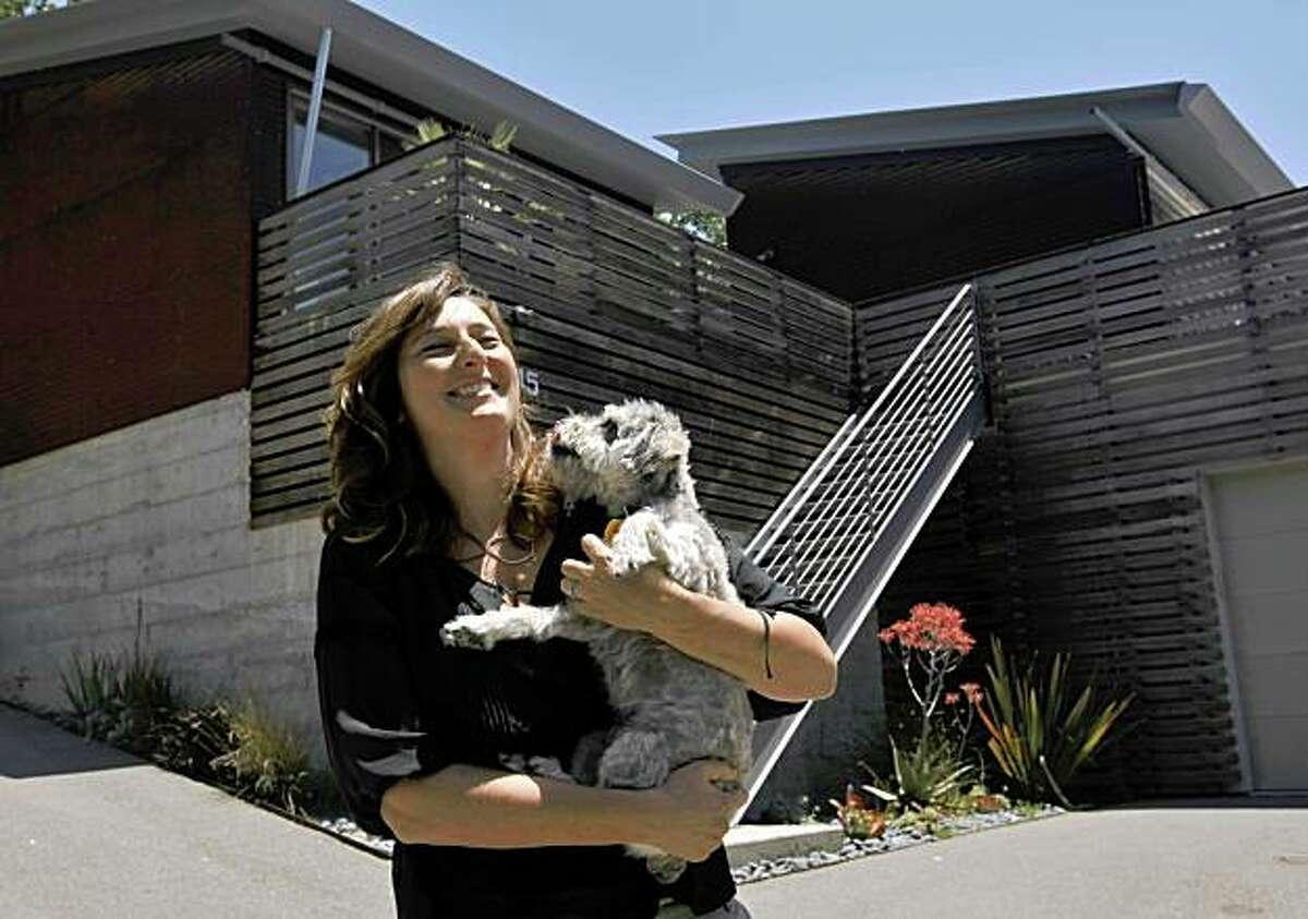 Architect Michelle Kaufmann outside her sustainable home, Thursday June 11, 2009, in Novato, Calif.