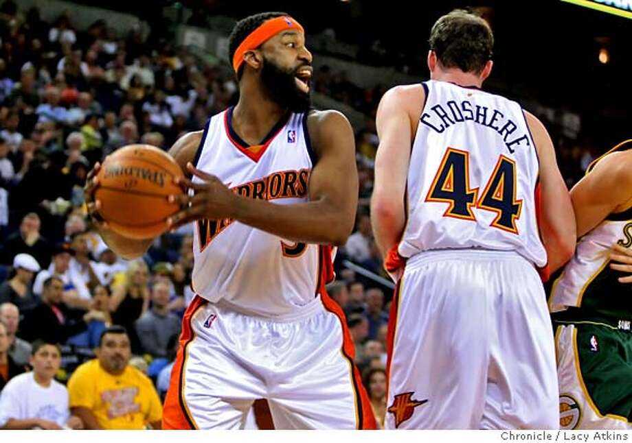 ###Live Caption:Golden State Warriors Baron Davis passes the ball last game against the Seattle Sonics, Wednesday April 16, 2008, in Oakland, Calif.  Lacy Atkins / San Francisco Chronicle###Caption History:Golden State Warriors Baron Davis passes the ball last game against the Seattle Sonics, Wednesday April 16, 2008, in Oakland, Calif.  Lacy Atkins / San Francisco Chronicle###Notes:###Special Instructions:MANDATORY CREDIT FOR PHOTOG AND SAN FRANCISCO CHRONICLE/NO SALES MAGS OUT Photo: Lacy Atkins