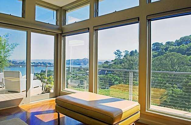 The walk through 79 george lane sausalito sfgate for Floor to ceiling bay window