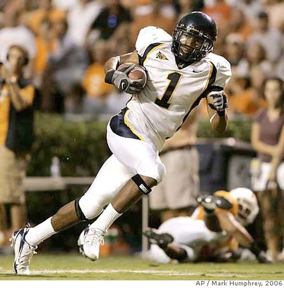 ###Live Caption:California wide receiver DeSean Jackson (1) scores a touchdown against Tennessee on a 40-yard pass reception in the fourth quarter of their college football game on Saturday, Sept. 2, 2006, in Knoxville, Tenn. Tennessee upset California, 35-18. (AP Photo/Mark Humphrey)###Caption History:California wide receiver DeSean Jackson (1) scores a touchdown against Tennessee on a 40-yard pass reception in the fourth quarter of their college football game on Saturday, Sept. 2, 2006, in Knoxville, Tenn. Tennessee upset California, 35-18. (AP Photo/Mark Humphrey)  Ran on: 09-03-2006  Robert Meacham scores on a 42-yard passing play, just one of several big plays on the day for the Tennessee offense.  Ran on: 09-03-2006  Robert Meacham scores on a 42-yard passing play, just one of several big plays on the day for the Tennessee offense.  Ran on: 09-03-2006  Robert Meacham scores on a 42-yard passing play, just one of several big plays on the day for the Tennessee offense.  Ran on: 10-13-2006  Photo caption Ran on: 10-13-2006###Notes:###Special Instructions: Photo: MARK HUMPHREY