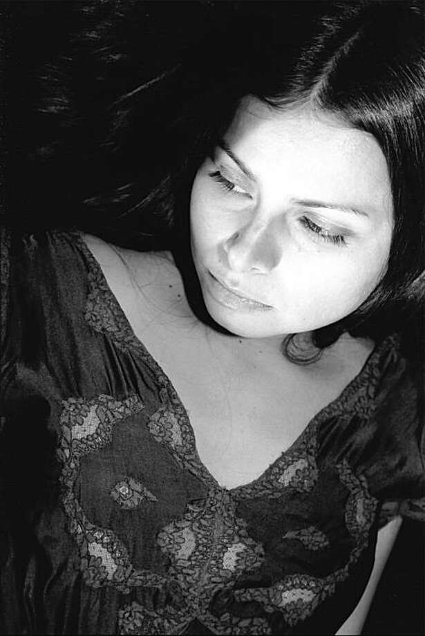 Hope Sandoval in 2001. Photo: Luz Gallardo