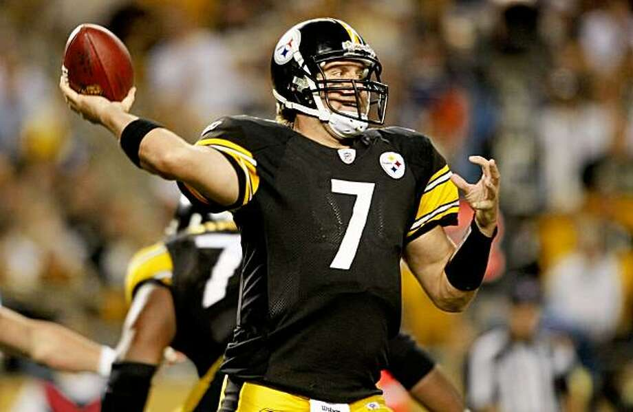 PITTSBURGH - SEPTEMBER 10:  Quarterback Ben Roethlisberger #7 of the Pittsburgh Steelers looks to pass the ball during the second quarter of the NFL season opener against the Tennessee Titans at Heinz Field on September 10, 2009 in Pittsburgh, Pennsylvania. (Photo by Elsa/Getty Images) Photo: Elsa, Getty Images