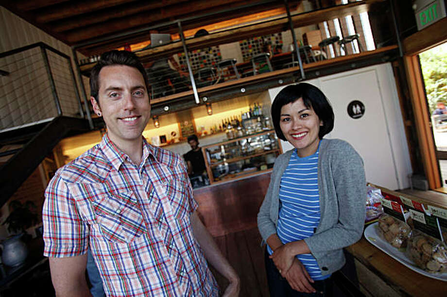 "Derek Fagerstrom (l to r) and Lauren Smith, owners of The Curiosity Shoppe at855 Valencia street, photographed for an ""On The Town"" profile at Stable Cafe on Tuesday June 30, 2009. Photo: Lea Suzuki, The Chronicle / SFC"