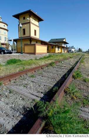 The train station in Windsor, Calif., photographed on March 25, 2008, is within walking distance for more than 10,000 town residents. The station could be a state-of-the-art transportation hub linking northern Sonoma County to Bay Area transit services if it weren't for the fact that neighboring Marin County has traditionally voted against train initiatives. Photo by Kim Komenich / San Francisco Chronicle Photo: Kim Komenich